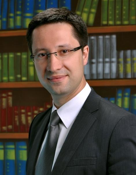 dr hab. Filip Ciepły